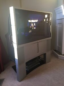 AMAZING QUALITY SONY Colour TV!