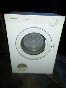 4kg Simpson dryer in perfect working condition :) Ferny Hills Brisbane North West Preview
