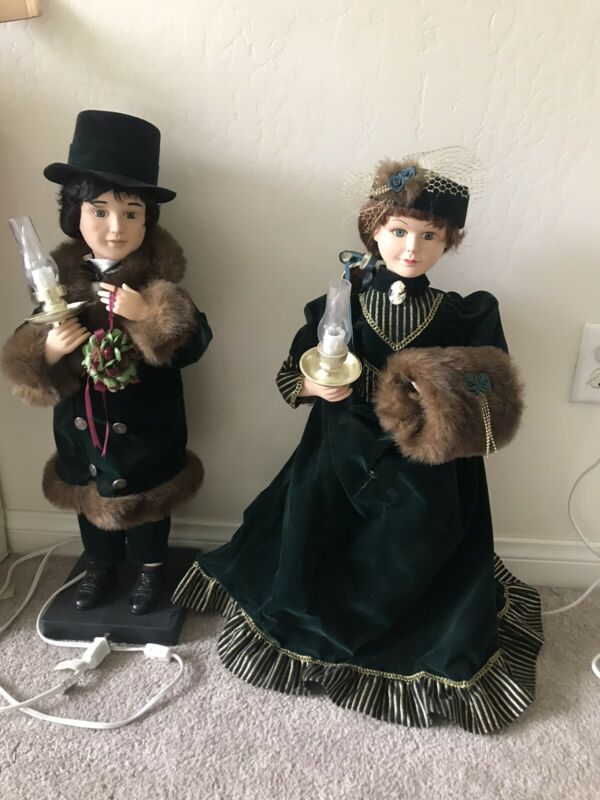 Traditions Christmas Motionette ANIMATED VICTORIAN COUPLE~26""