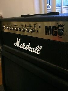 Marshall MG100FX - 4x12 Cab - Footswitch