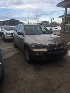 2008 bmw x5 4.8i Excellent Condition! Heads up display, NAV