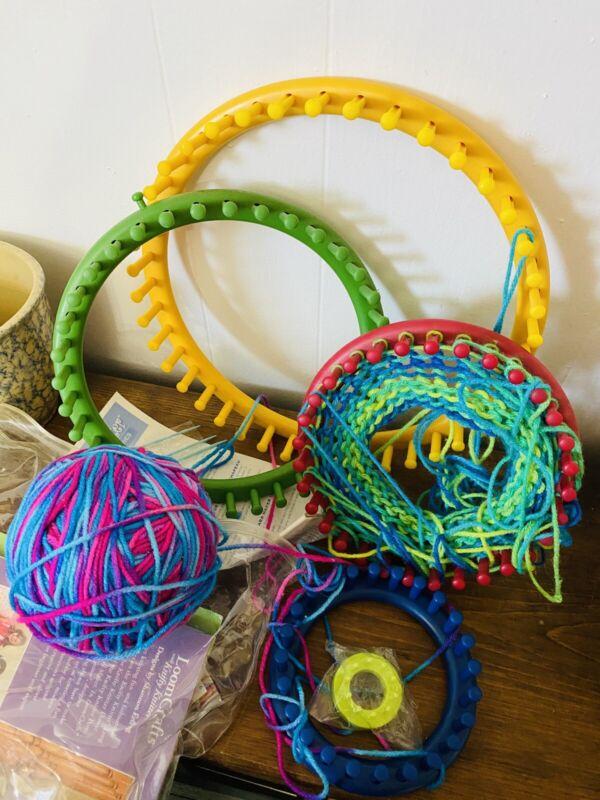 Provo Craft Knifty Knitter 5 Round Looms & Book & Yarn EUC LKN