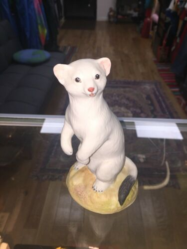 Winter Stoat Statue Figurine Aynsley Fine Porcelain England 1975
