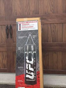 Punching  Bag / Heavy Training - In Box UFC MMA Edition