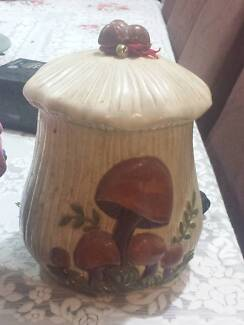 For sale 2 cookie jars in good condition Angle Park Port Adelaide Area Preview