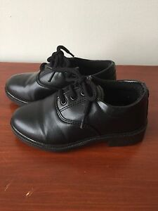 DRESS shoes, size 9T