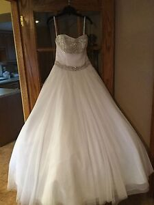 Used Wedding Gown