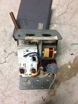 Honeywell L8124c1102 Triple Aquastat Relay Used