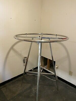 Retail Heavy Duty 36 Chrome Round Clothing Rack With Glass Top Adj Height.