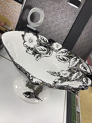 Stunning White And Silver Ceramic Diamante Fruit Bowl