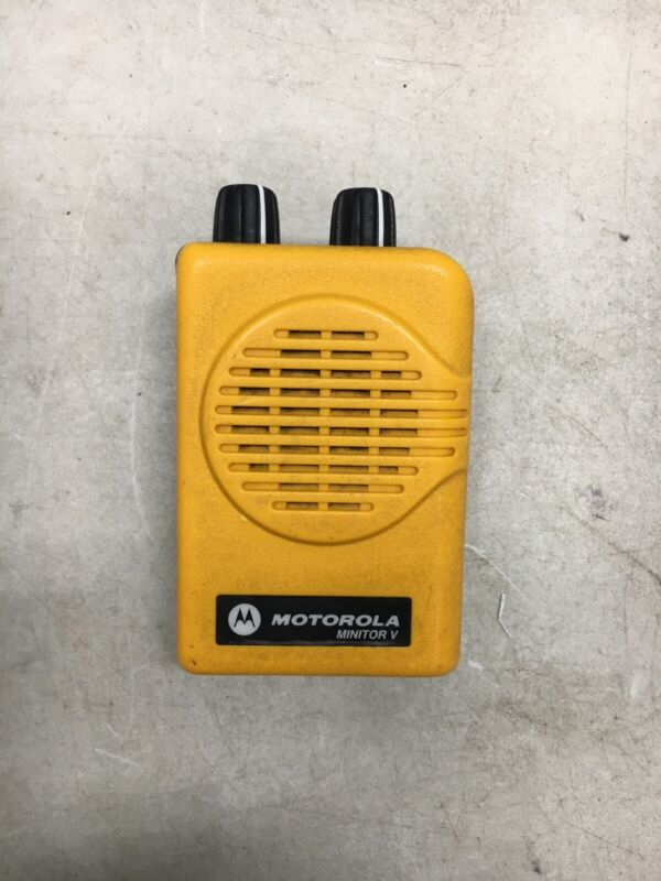 Motorola Minitor V (5) VHF Pager Yellow No Battery