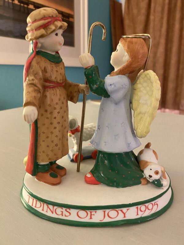VINTAGE 1995 HOLLY HOBBIE PORCELAIN FIGURINE CHRISTMAS TIDINGS OF JOY NATIVITY