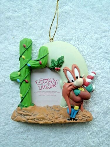 LOONEY TUNES 1997 YOSEMITE SAM CACTUS PICTURE FRAME CHRISTMAS ORNAMENT