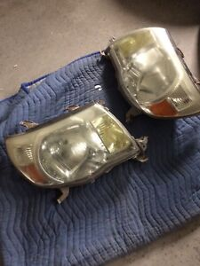 Headlights from 09 Toyota Tacoma (Sold PPU)