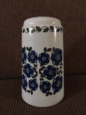 SUGAR / FLOUR SHAKER BLUE FLOWER DESIGN ?? MIDWINTER