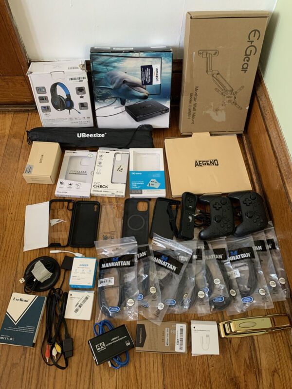39 Mixed Electronics - Amazon Returns -Controllers - Phone Cases -Open Box
