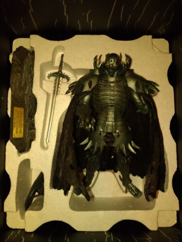 Art of War Berserk Knight of Skeleton Cold Cast Statue Authentic Figure Guts