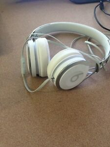 Selling Dr Dre beat headphone!