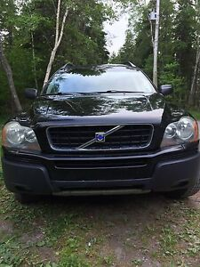 Volvo XC90 With a Parts Car