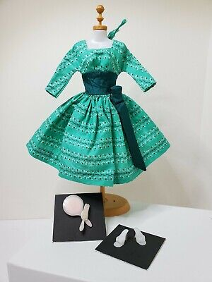 VINTAGE BARBIE SWINGIN' EASY GREEN DRESS (#955) - 1963 - Excellent Condition