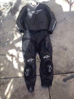 Alpinestars 2 piece + SMX plus boots + Shoei xr1100 Tenterfield Tenterfield Area Preview