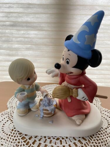 """Precious Moments Disney Event Exclusive """"A Magical Moment To Remember"""""""