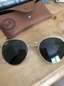 Ray Ban Sunglasses with case and cloth