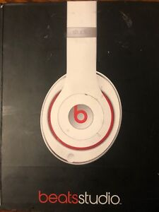 Beats by Dre studio