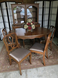 Malcolm Dining Set REDUCED