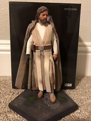 Iron Studios Luke Skywalker Star Wars Force Awakens 1/10 Statue - US