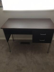 Metal desk and chair very good condition
