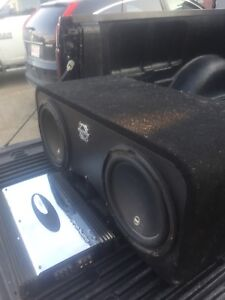 JL w3 subs and a 1000 watt clarion amp