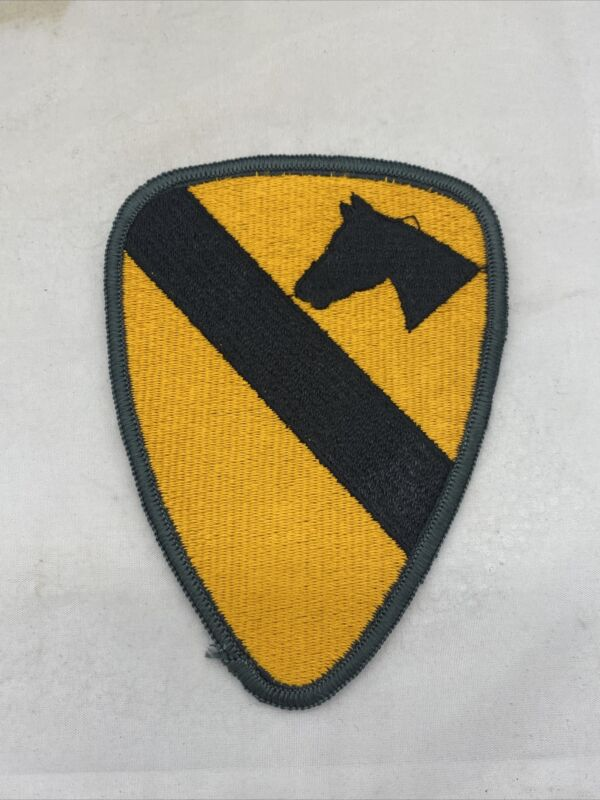 US 1st Cavalry Division Patch AG Border Merrowed Edge (VB2747