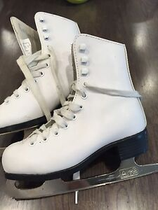 Youth/Girls Figure Skates $15!!