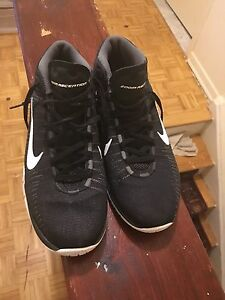 Selling My Nike Zoom size 7 for $80