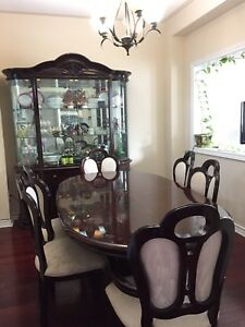 7 Piece Dining Table Set + Hutch
