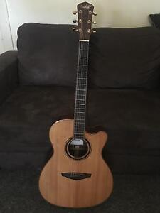 Veelah V6-OMCE Acoustic w/ LR Baggs pick up and Hard top Case Beresfield Newcastle Area Preview