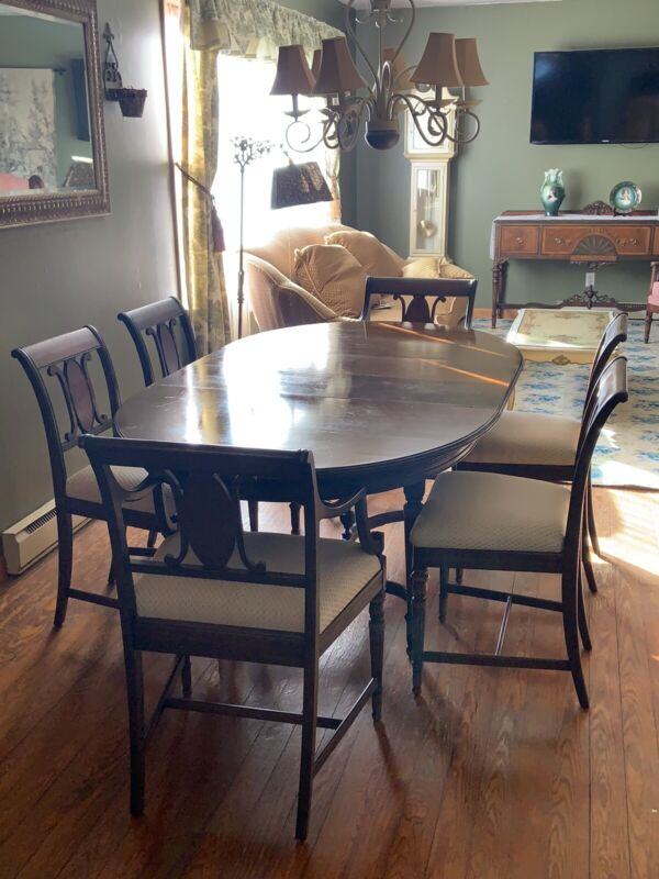 Antique Berkey & Gay Furniture Dining Set Table Chairs