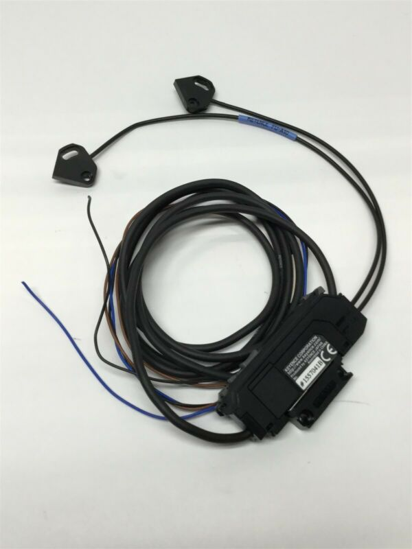 Keyence FS-N11P Digital Fiber Optic Sensor Amplifier 12-24VDC, PNP w/ FU-A10