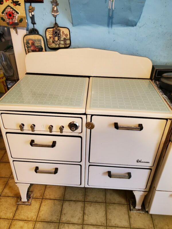 Vintage Kitchen Stove- 1930s Wedgewood Brand- Great Condition- Everything Works