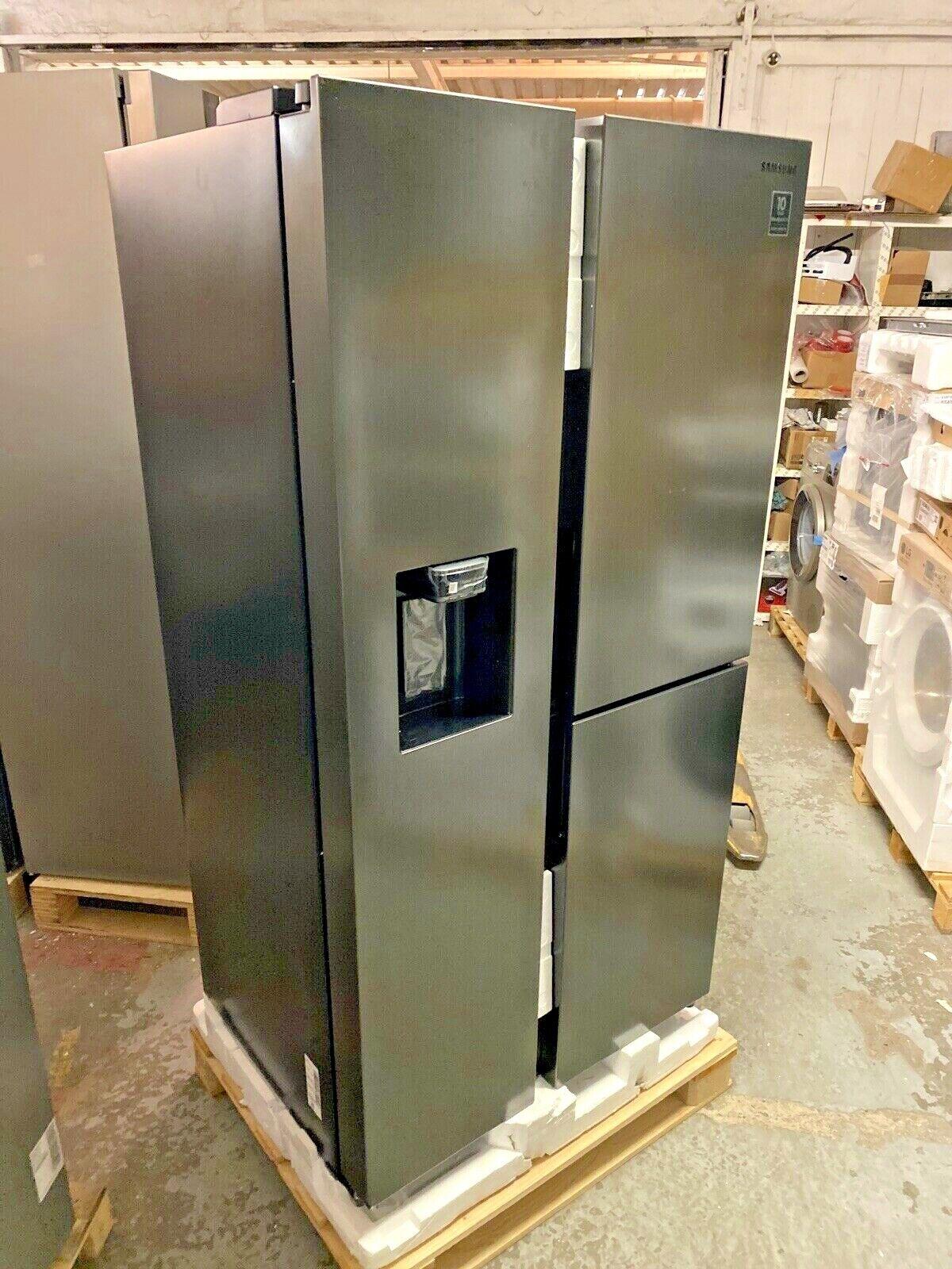 Samsung RS8000 RS6GN8671B1/EG 3 Door Side-by-Side, 604 l, Premium Black Steel
