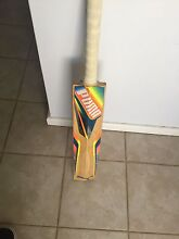 English willow cricket bat Ridgewood Wanneroo Area Preview