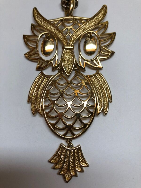 "Vintage Gold Tone Articulated 5"" OWL Pendant Necklace"