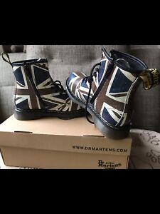 Dr Marten's Delaney Boots Kids New Size 4