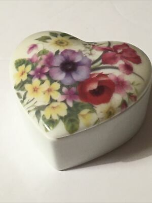 Vintage Chamart Limoges France Porcelain Heart Trinket Jewelry Box, Foam Insert