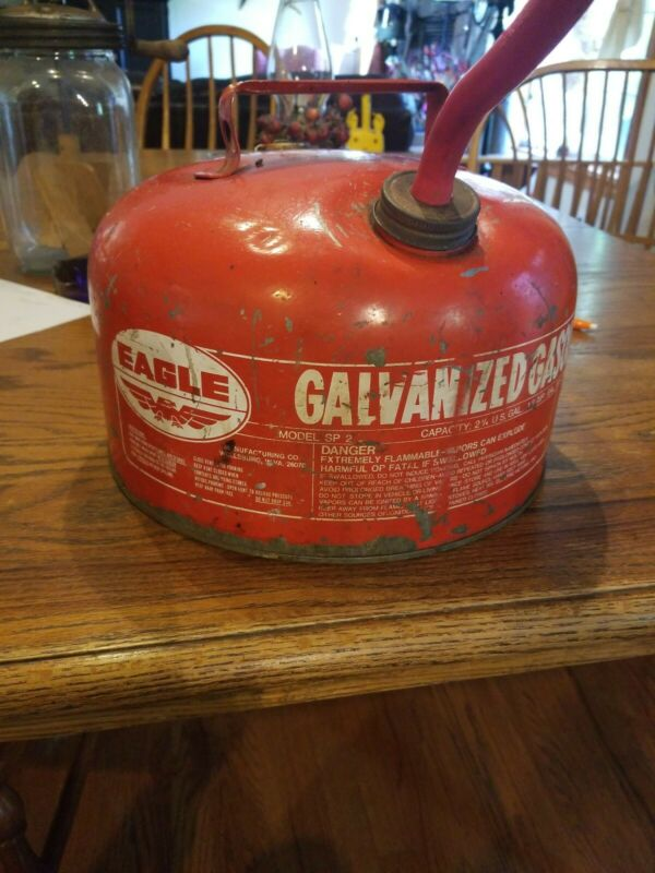 Eagle Galvanized Oil Gas Can 2 1/4 gal Vintage Red Flexible Spout Vintage