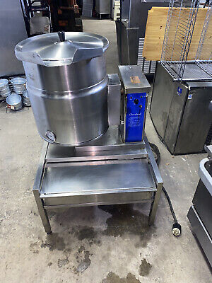 Cleveland Electric 20 Qt. Steam Jacketed Kettle With Stand 3 Phase Very Nice