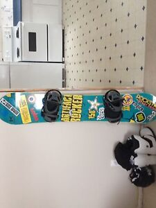 Rome artifact rocker snowboard for sale(comes with bindings)