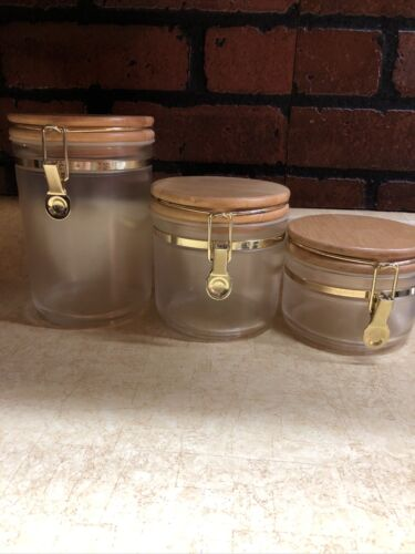 Canister Set 3 Plastic With Wood Lock Tite Closure 5 Inch Diameter, 8-6 & 4 High