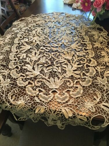 Fantastic Quality Antique Crocheted Tablecover